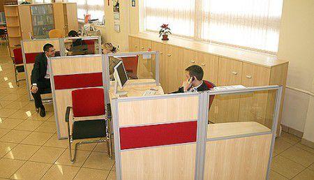 Стеклянные офисные перегородки в помощь бизнесу.